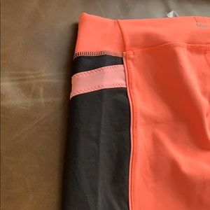 lululemon athletica Pants - Lululemon cropped leggings worn twice